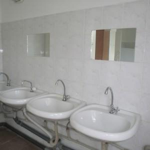 Туалетна кімната на поверсі спального корпусу №№ 1,2